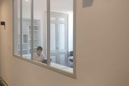 Bordeaux hypercentre - 4 postes de travail-1