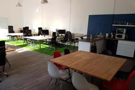 Bureaux conviviaux chez une startup'