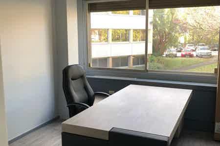 Loue bureau fermé de 15 m2