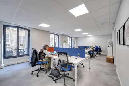 Grand bureau indépendant - Paris 75010