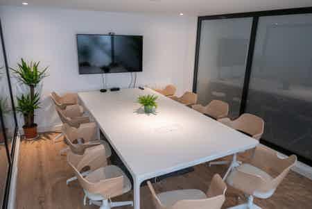 Bureaux calmes & lumineux + salle de réu-7