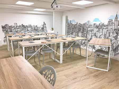 Poste coworking nomade en open-space-2