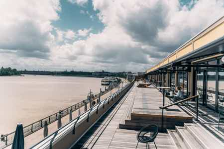 Bureaux 4 places sur les quais de Bordeaux-11