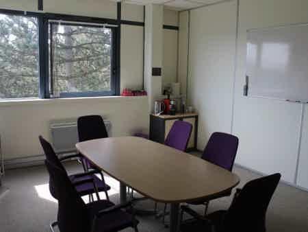 Location bureau saclay de 15m² à 50m²-4