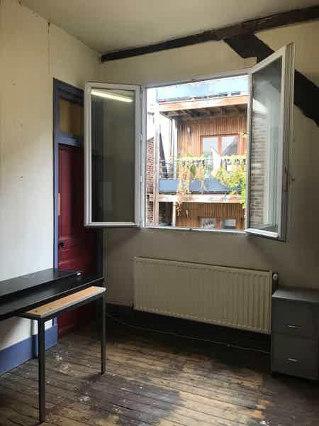Petit bureau 9m2 à louer à St Ouen-2