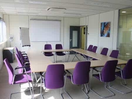 Location bureau saclay de 15m² à 50m²-1