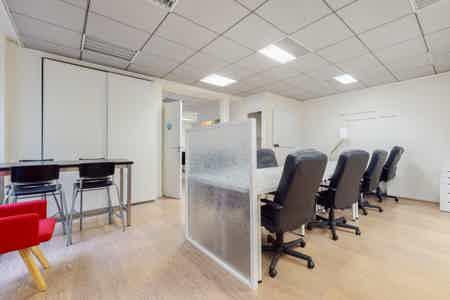 96 m² de bureaux indépendants et équipés-4
