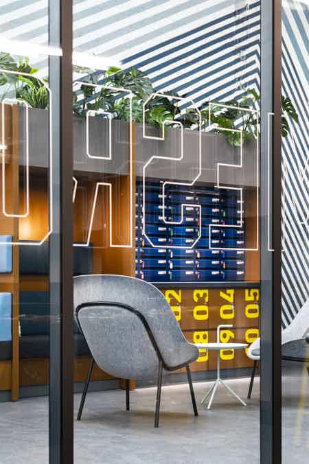 Loft industriel cité numérique -12 postes-6
