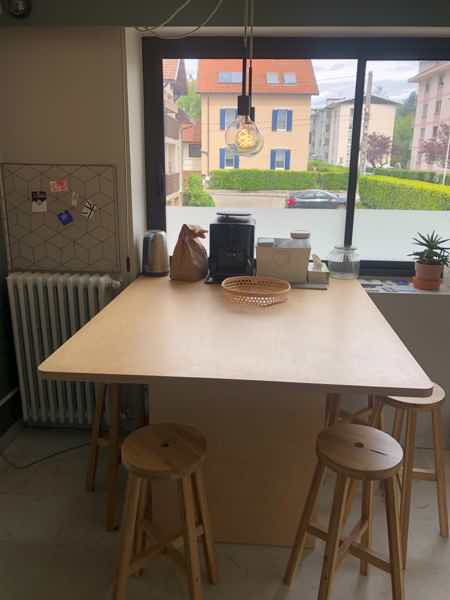2 places dispos bureaux à partager Annecy-1