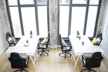 Bureau lumineux en Open Space en Coworking