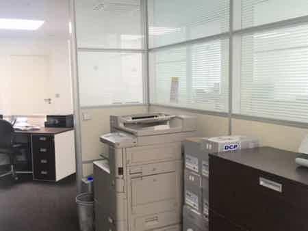 1 bureau indpt , 32 m2, 6 à 8 postes-3