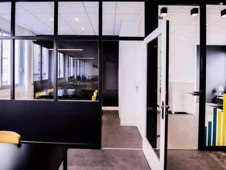 Bureau fermé de 10 m² pour 2 personnes-2