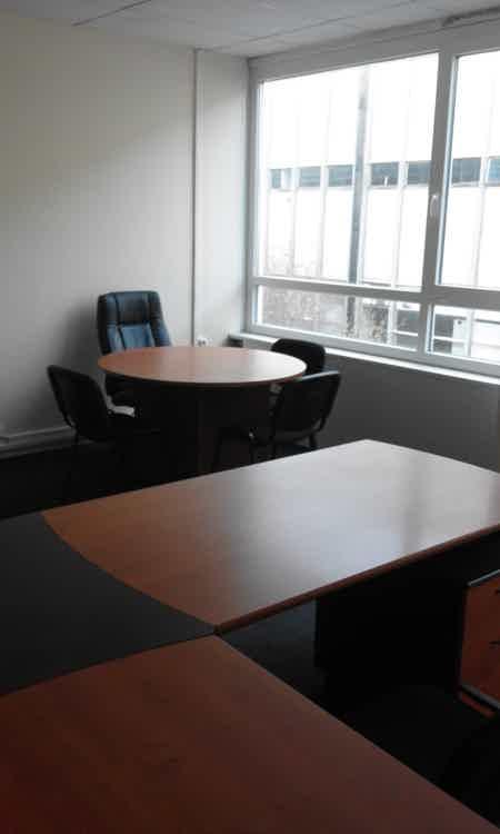 bureau 60m2  meublé-3
