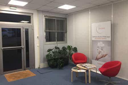 Bureau équipé 17 m², parking gratuit