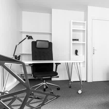 Bureau au sein d'une agence de design-1