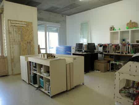 Bureau dédié dans un espace de création-2