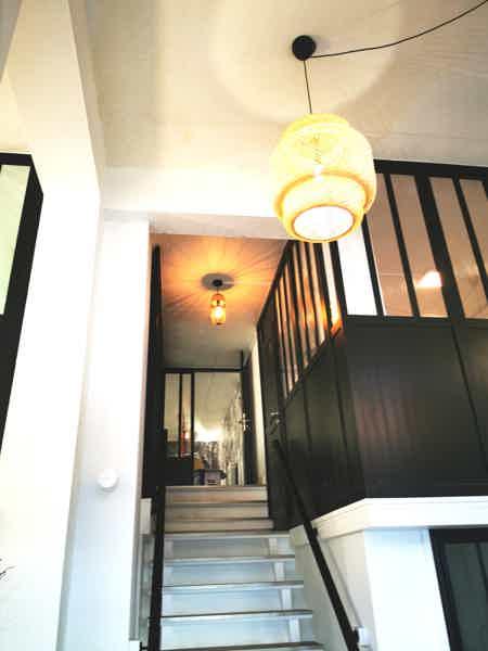 Bel espace sur 2 étages sur cour arborée-2
