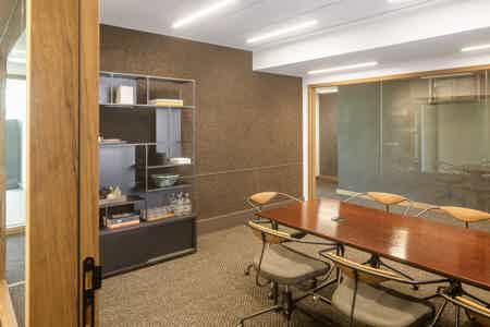 Grand bureau privatif 6 postes-3