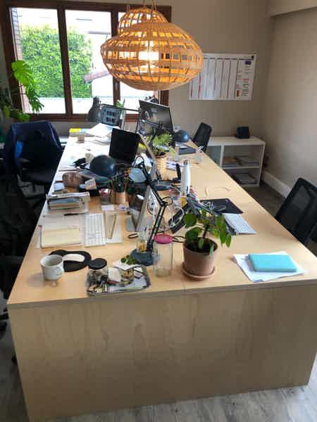 2 places dispos bureaux à partager Annecy-2