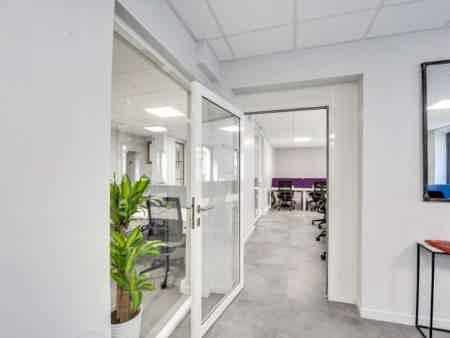 Grand bureau indépendant - Paris 75010-6