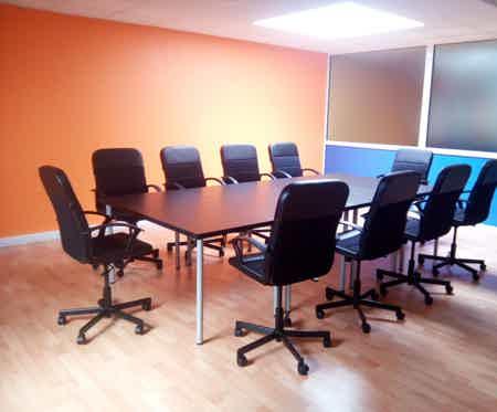 Bureau privatif 25 m2, tout inclus-5