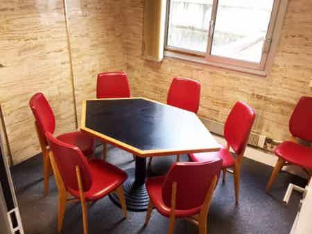 Bureau lumineux fermé 4 à 5 personnes-3