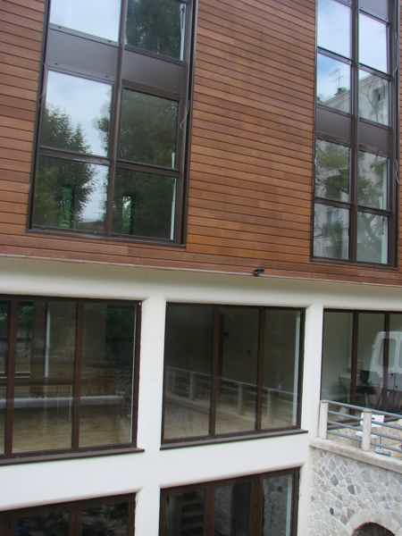 bureau ferme 75 m2 sur terrasse et jardin-7