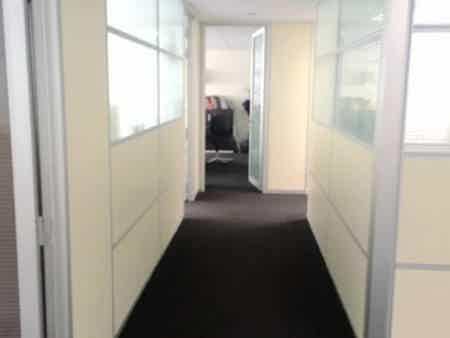 1 bureau indpt , 32 m2, 6 à 8 postes-5