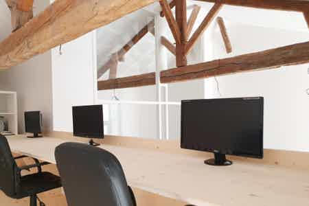 espace à occuper dans bureau-2