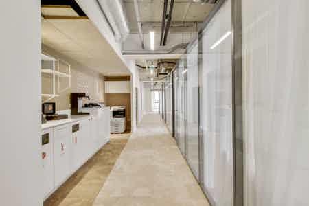 Bureau privatif 5p avec terrasse privée-13