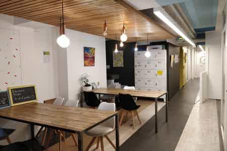 4 postes en Open Space - Beaubourg