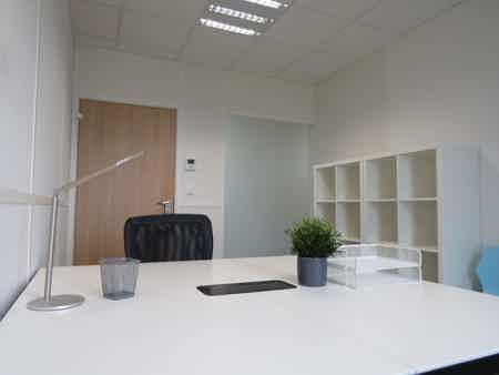 Bureau privatif de 12m²-1