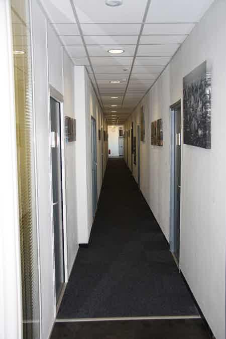 Bureau fermé à 300m de Lyon Part-Dieu-2