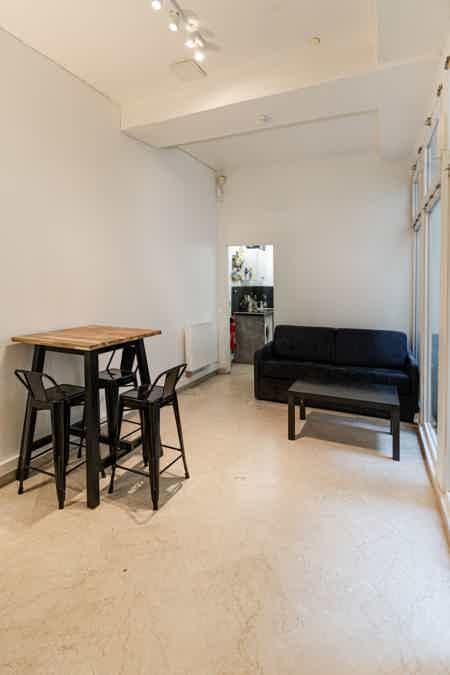 Bel espace de 50 m² en plein Beaubourg-9