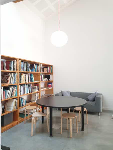 espace à occuper dans bureau-11