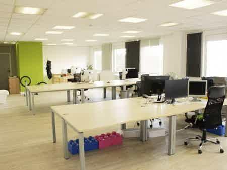Bureau privatif 90 m2 + espace commun à lognes