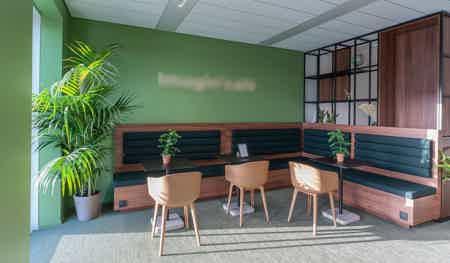 Magnifique bureau de 18 p. avec terrasse-5