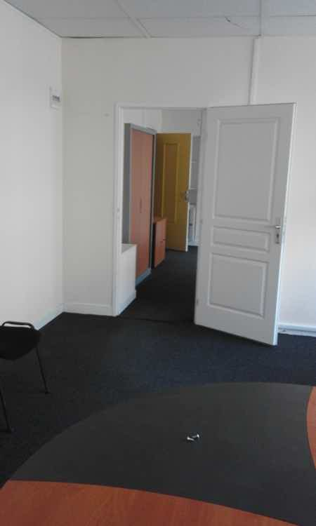 bureau 60m2  meublé-4