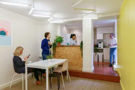 Grand bureau fermé - Coworking Paris 10e-3