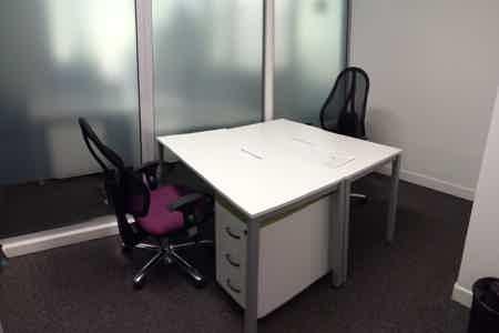 Bureau fermé. 7 m².1/2 postes