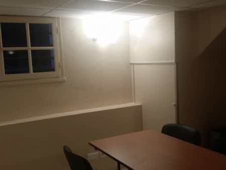 Salle de réunion ou petit openspace fermé-1