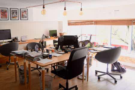 Bureau privé ds coworking ds atelier 60m²