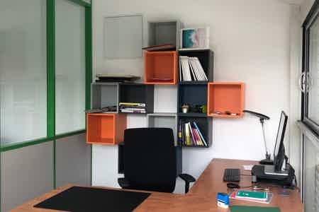 Bureau dans locaux neuf avec vu Vercors
