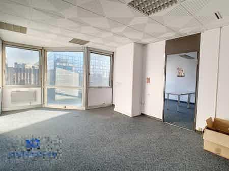 Bureaux 200m² à Noisy-le-Grand 15 postes-1