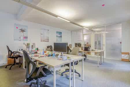 RDC - 1 open, 2 bureaux, 1 salle réunion