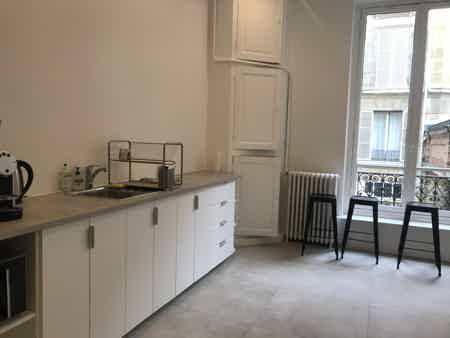 Bureau 30m² - salle de réunion et cuisine-2