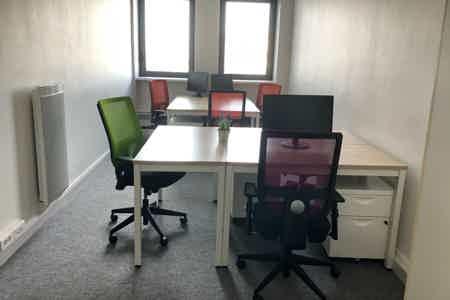 Bureau de travail 6 pers. à Lille-Centre