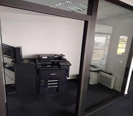 Bureaux salle de réunion parking services-4
