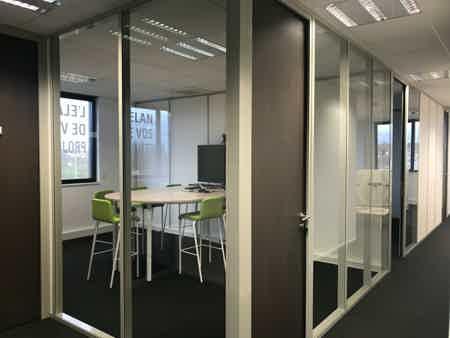 Bureau à Metz | 2 personnes l 15m² | 375€-3