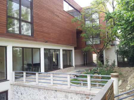 bureau ferme 75 m2 sur terrasse et jardin-3